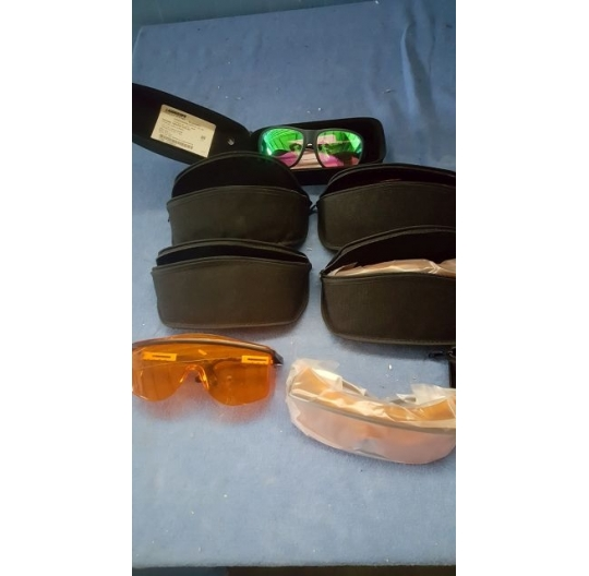 Laserbrille / laser glasses
