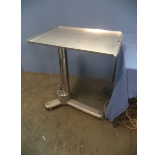 Majo table / Instrumentiertisch