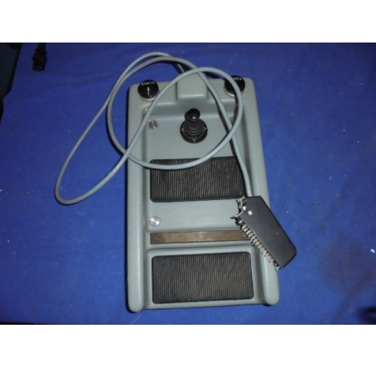 Foot pedal for microscopes